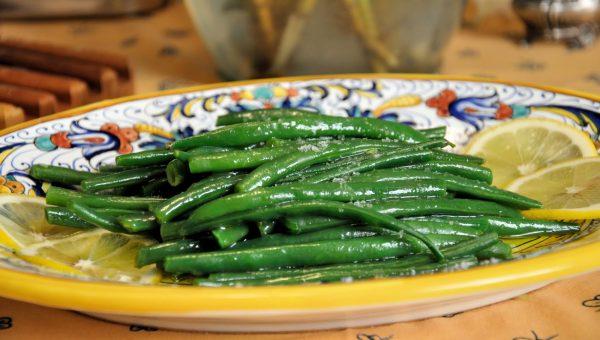 Gelato alla panna con topping mou alla salsa di soia